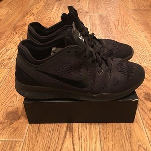 NIKE Free TR Fit 5 Women's Training Shoes (used)